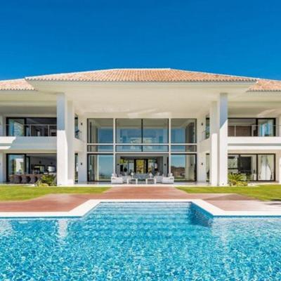 Villa-in-Benahavis-for-sale,-La-Zagaleta-1-sm